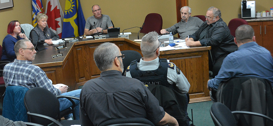 Committee discusses situation table for South Okanagan
