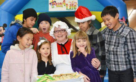 Mrs. Claus thrills kids at Light-Up