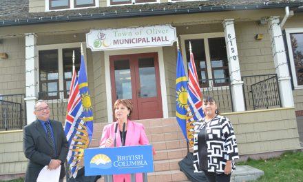 Premier says grow economy to keep schools open