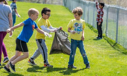 Osoyoos Elementary School kids pitch in and clean up for Earth Day
