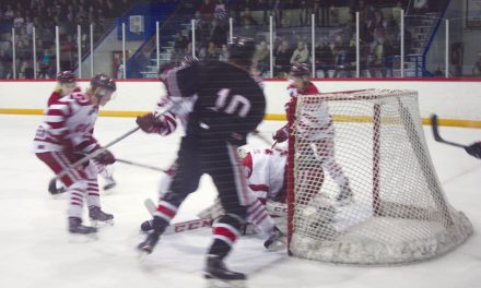 Coyotes regain home-ice advantage with big win in Summerland Tuesday night